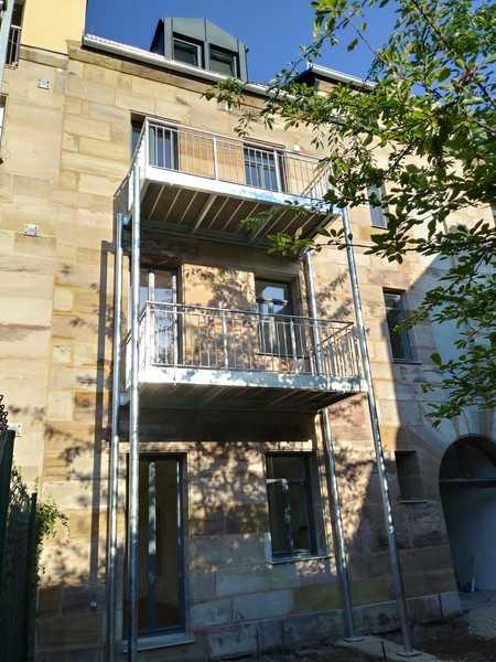 Erstbezug nach Sanierung: stilvolle 2-Zimmer-Wohnung mit Balkon in Fürth in Altstadt, Innenstadt (Fürth)