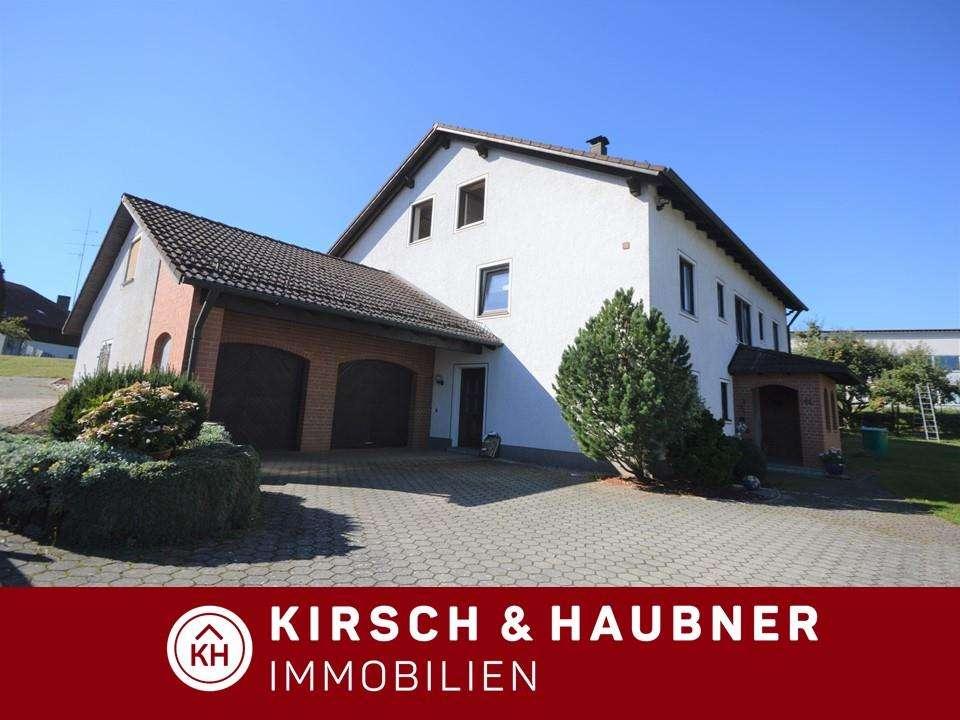 Wohnen in Parsberg! Gepflegte 4-1/2-Zimmer-Wohnung mit Gartenanteil,  nähe Freibad in Parsberg