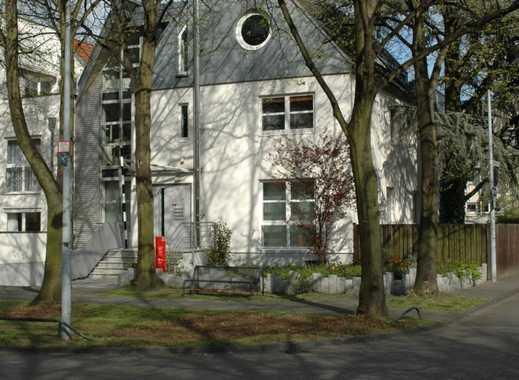 Geräumige 2-Zimmer-Wohnung in Alt - Weiden, Köln