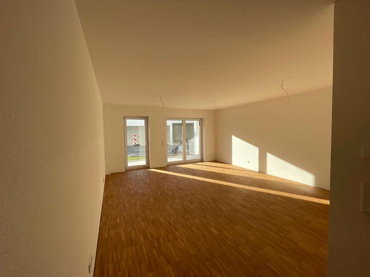 Erstbezug nach Neubau - Gehobene 2-Zimmer-Wohnung mit Terrasse und Stellplatz in
