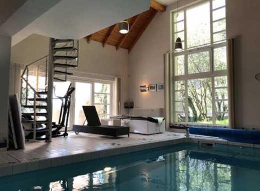 Traumhafte Villa mit Innenpool in reinster Idylle - Direkt am See
