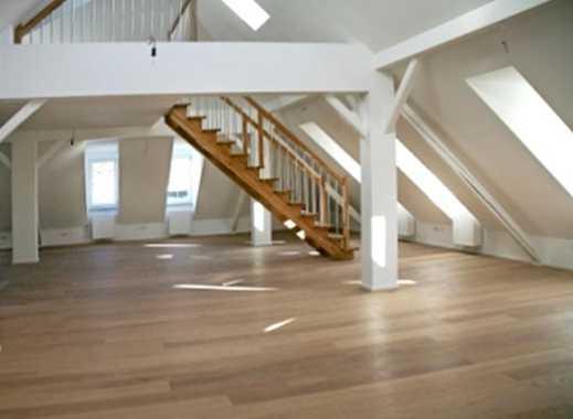 Rarität-offene Loft/Galeriewohnung im DG im Herzen von Herrsching im Altbau