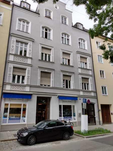 Attraktive, modernisierte 2-Zimmer-Wohnung mit schöner Innenausstattung in Neuhausen, München in Neuhausen (München)