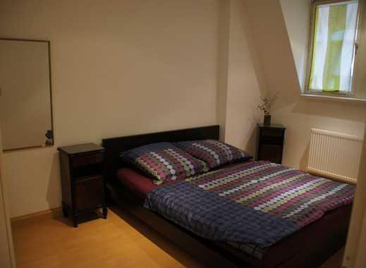 Ruhige, komplett möblierte 2-Zimmer-Wohnung mit EBK und Internet in Stüttgart-Süd