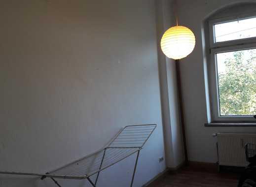 Buntes Haus sucht neue Mitbewohnerin (1,5 Zimmer in 3-Raum-Whg.)