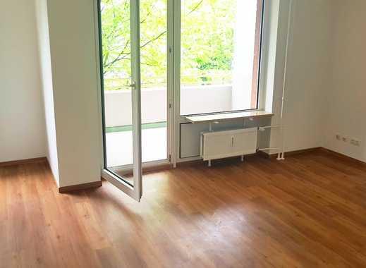 Mühlenberg! Komplett sanierte 2 Zimmer Wohnung im Hochparterre mit Sonnen-Balkon!