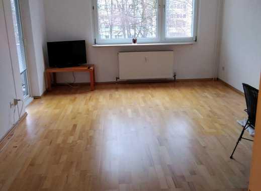 gepflegte 2-Zimmer-Wohnung mit Balkon und EBK in Hamburg-Jenfeld