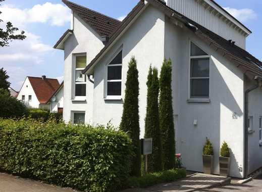 Moderne Doppelhaushälfte mit Pultdach