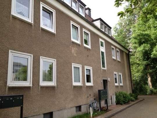 hwg - Schöne Erdgeschoss-Wohnung mit Balkon und Tageslichtbadezimmer in der Südstadt!
