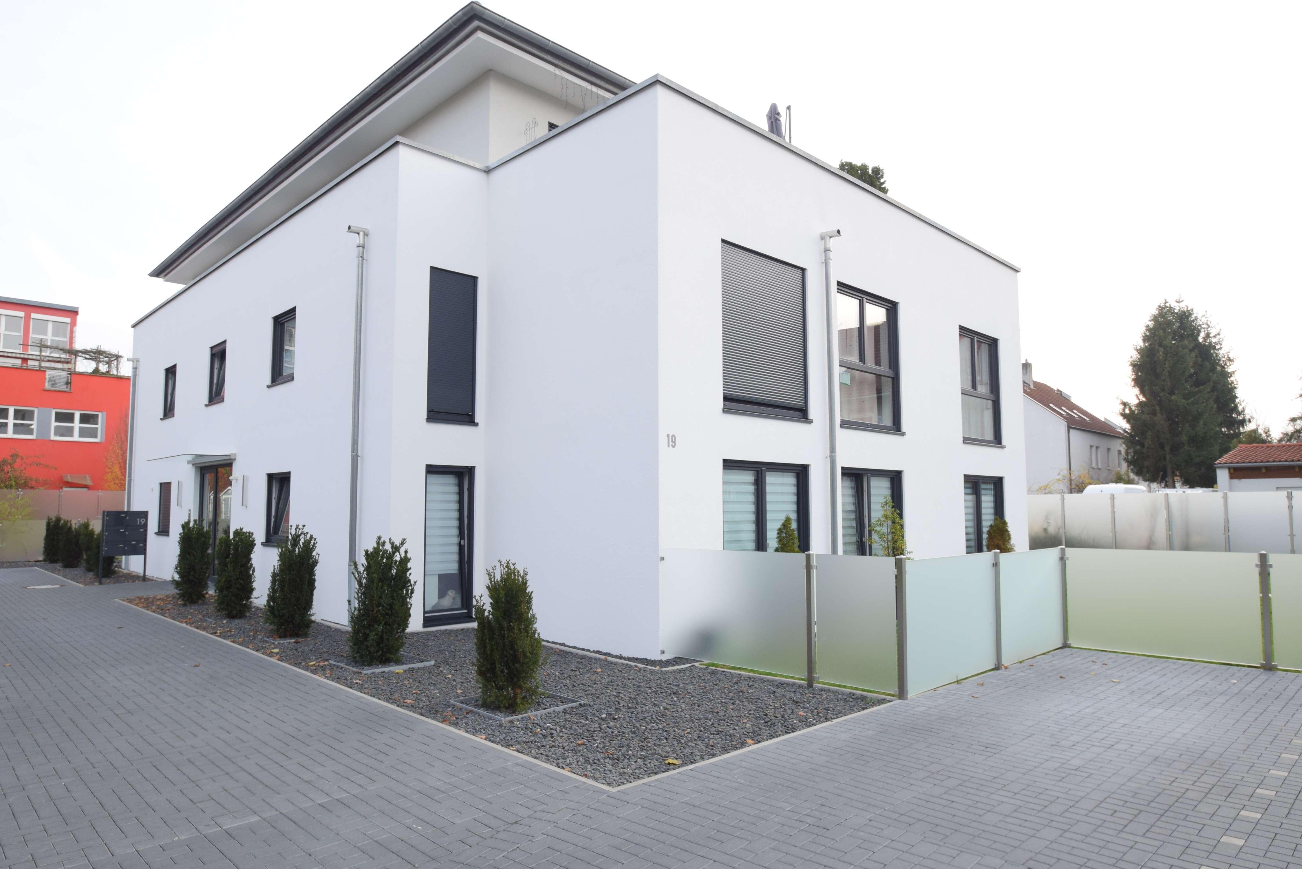 Helle und moderne Wohnung in günstiger Verkehrs-Lage und TOP-Ausstattung in