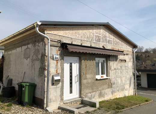Kleines, im Innenbereich saniertes Häuschen mit Terrasse