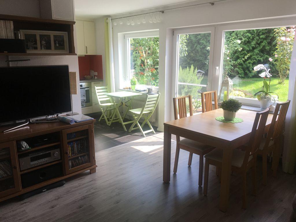 Sehr schöne 3,5 Zimmer Wohnung mit großem Garten und ...