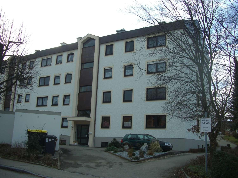 Freundliche 3 1/2 Zimmerwohnung in Stadtrandlage in