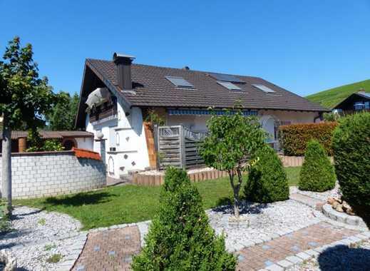 Attraktives Zweifamilienhaus in guter Wohnlage