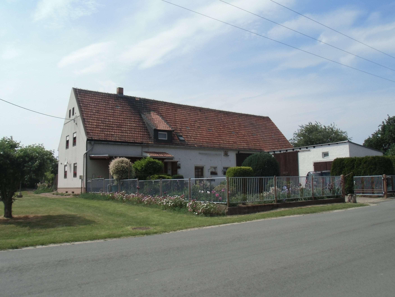 gepflegtes und geräumiges ehemaliges Bauerngut - Haus zum Kauf in Lommatzsch