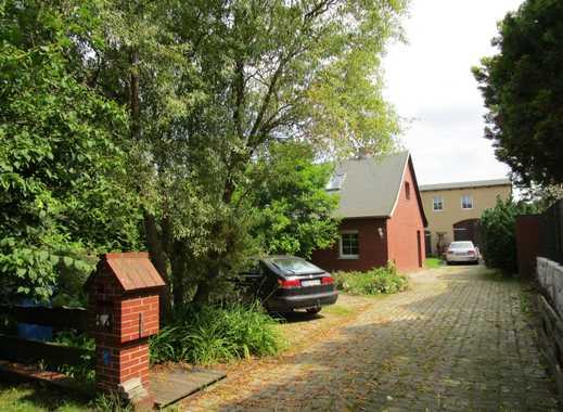 IMMOBERLIN: Großartiges Anwesen mit Doppelhaus & ausgebauter Remise beim Schlosspark Blumberg