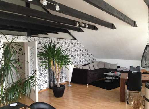 Charmante Dachgeschosswohnung in ruhiger Lage