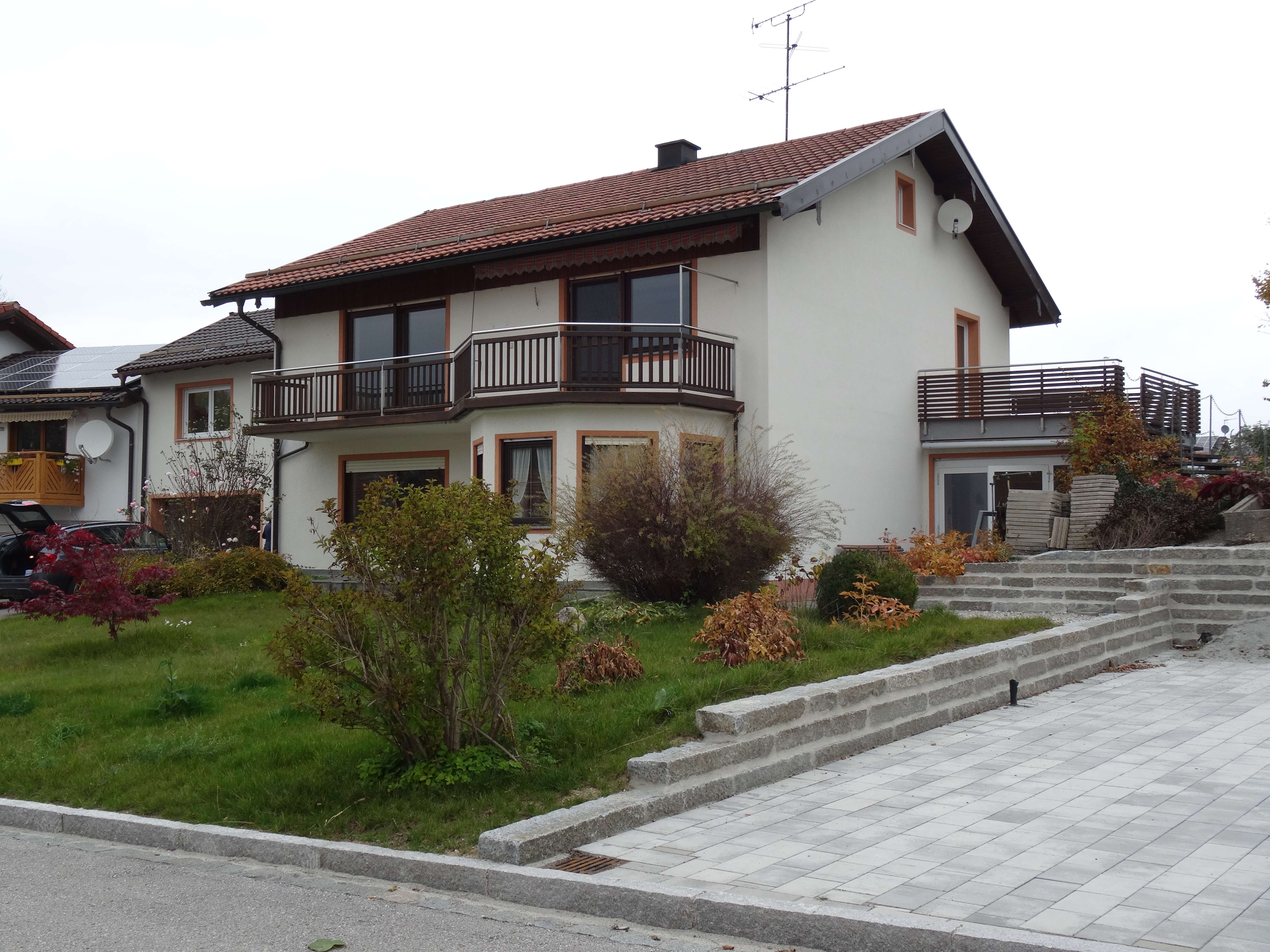 Gepflegte 2,5-Zimmer-EG-Wohnung mit Balkon in Kammer in Traunstein