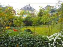 Stadtwohnung mit Flair und Grünflächen