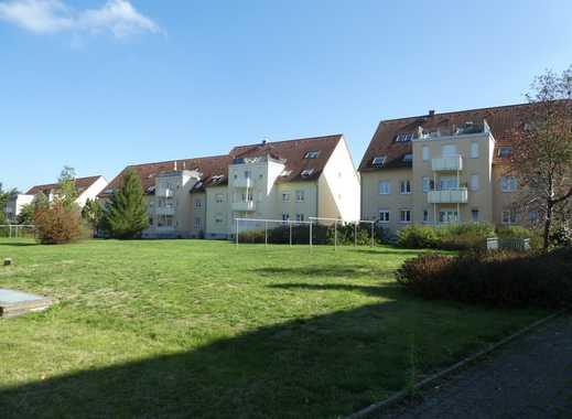 08412! Solide Anlage! Tolle Wohnung in guter Lage mit Balkon + TG-Stellplatz
