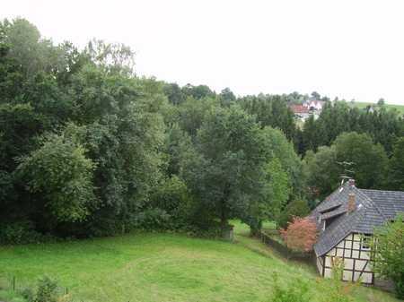 Sehr ruhige 2 1/2 Zimmer-Terrassenwohnung am Waldrand in Ahorn