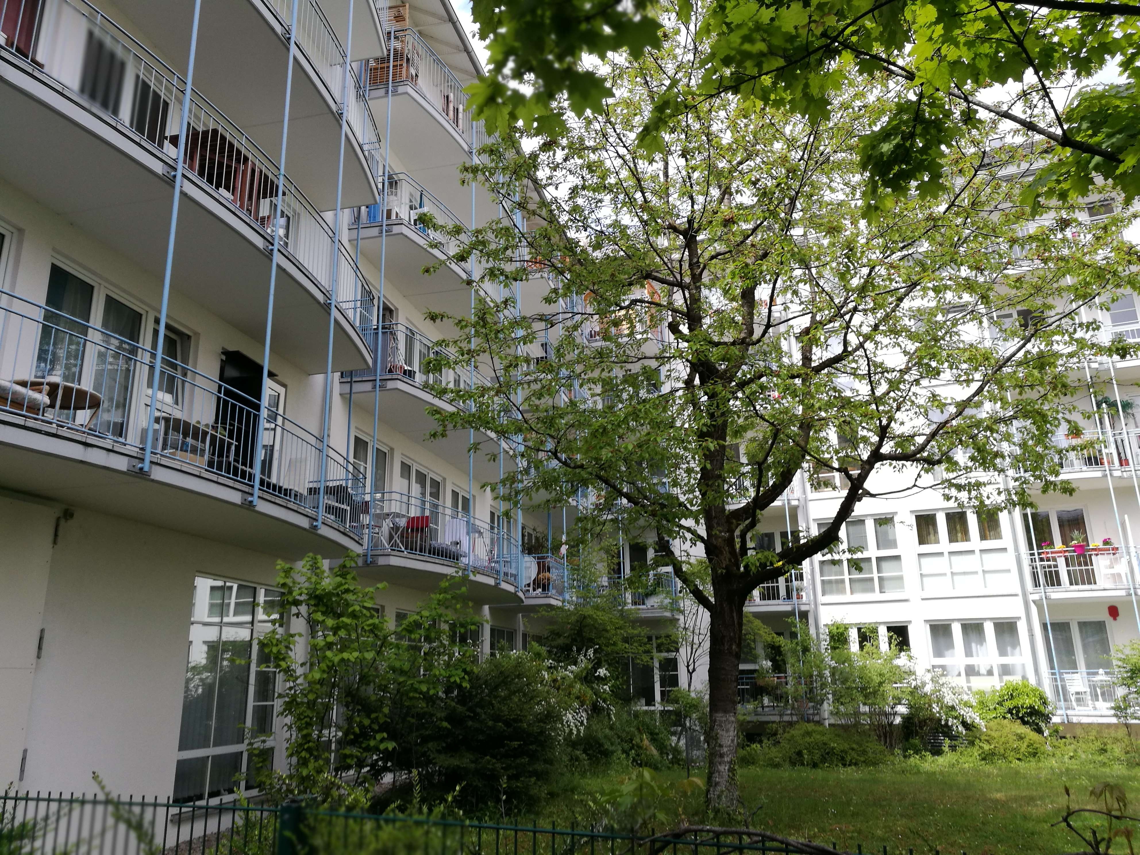 Helle 2-Zimmer-Wohnung mit Balkon nahe U-Bahn und Isar