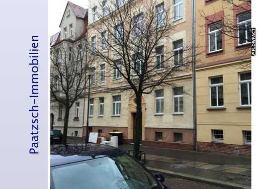 Ein Traum von einer DG-Wohnung mit 50 m² Wohnzimmer und Balkon in Halle (Saale)