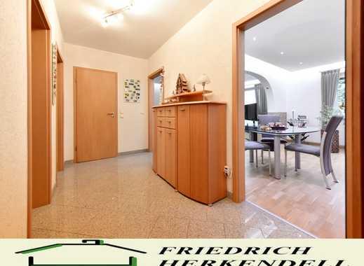 Top ausgestattet + 1. Etage + Balkon + ruhige, zentrale Wohnlage