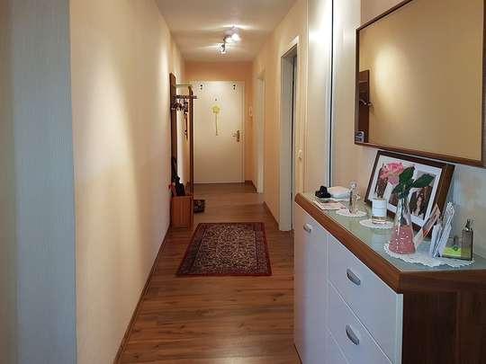 Moderne 3-Zim.-Wohnung mit PKW-Stellplatz und Garten - Bild 10