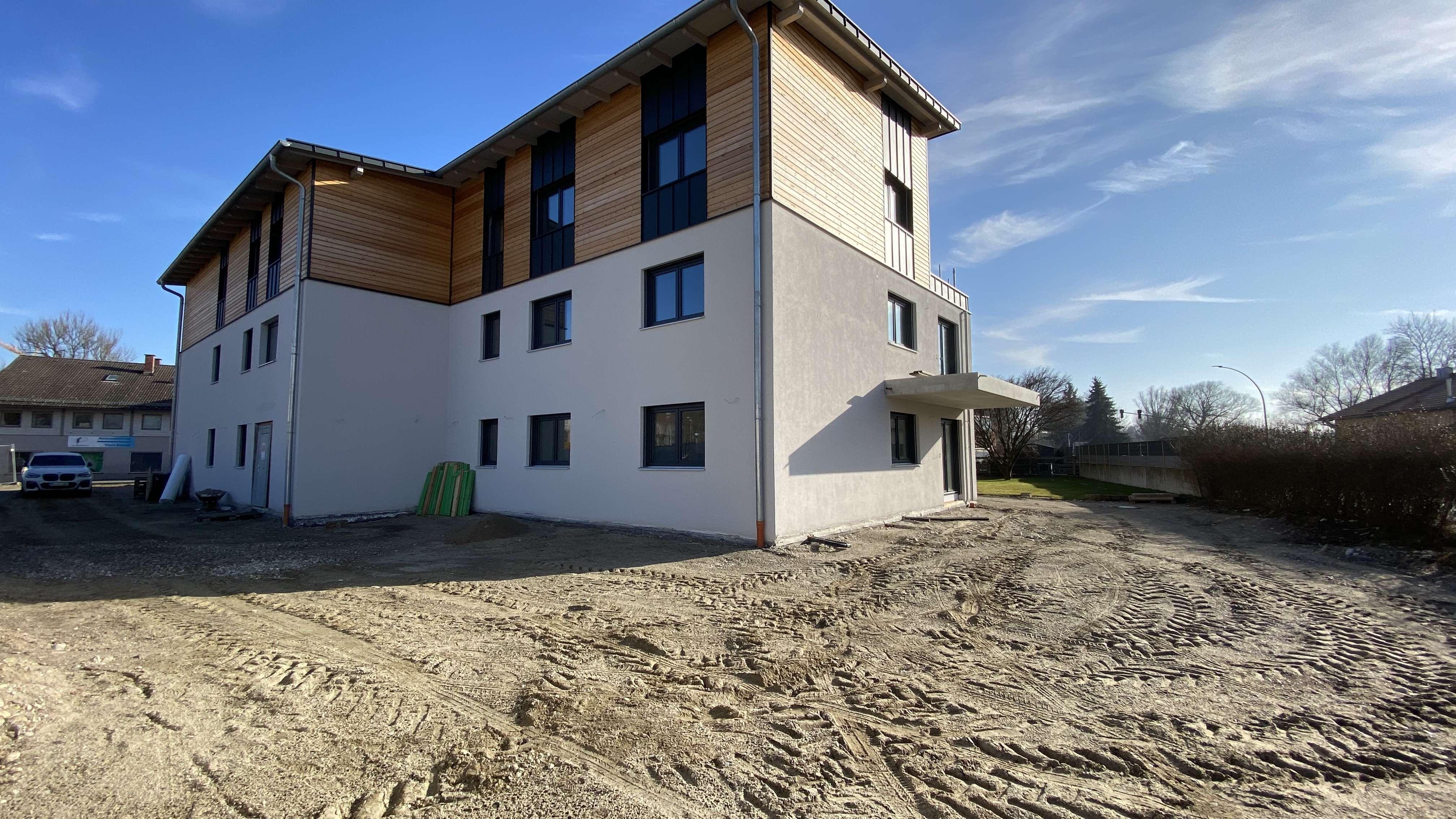 ... AIGNER - moderne gehobene 3-Zi-OG Neubauwohnung mit Südbalkon und EBK ... in Mühldorf am Inn