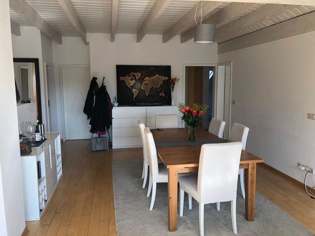 Sch 246 Nes Zimmer In 3er Wg In Toller Lage Und Mit Skyline