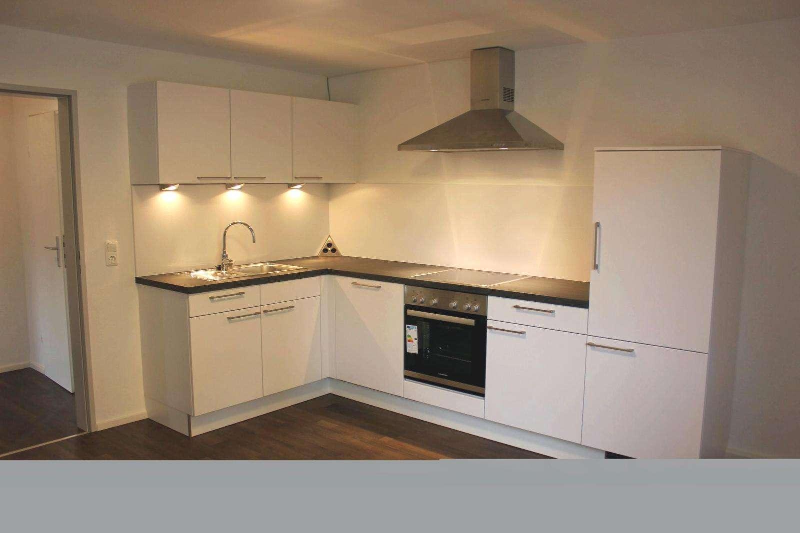 Vollständig renovierte 3-Zimmer-EG-Wohnung mit Einbauküche in Hof in Hof-Innenstadt