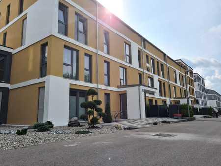 Stilvolle, luxuriöse, helle undExklusive, neuwertige 3-Zi-Wohnung m. Balkon und EBK in A-Göggingen in Göggingen