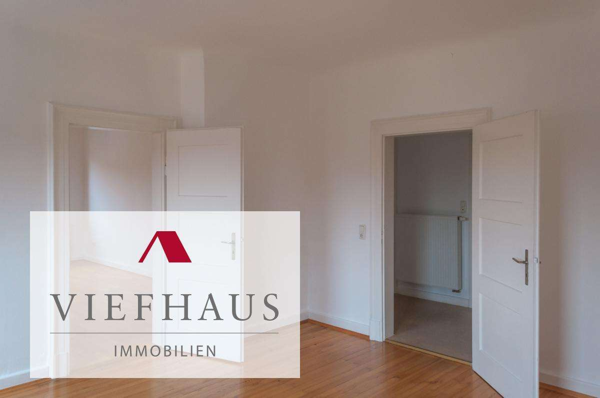 Helle, kernsanierte 4-Zimmer-Altbauwohnung in bester Lage in Kitzingen in Kitzingen
