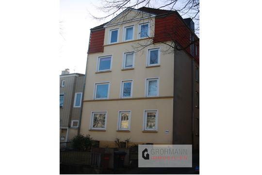 Zentrale 2-Zimmer-Wohnung mit modernen Duschbad in 23566