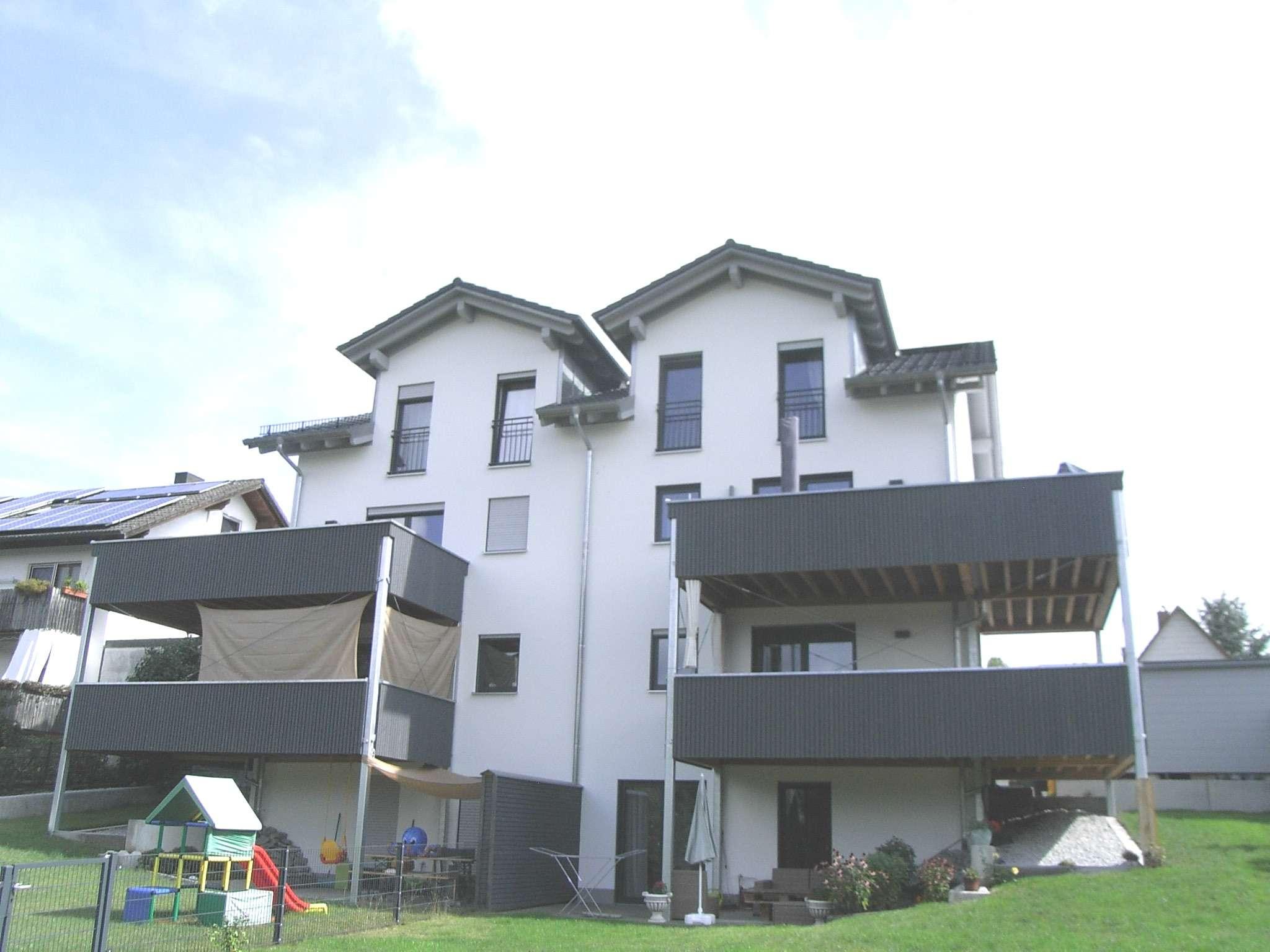 5-Zimmerwohnung - Wohnen mit Hauscharakter  in Vilsbiburg