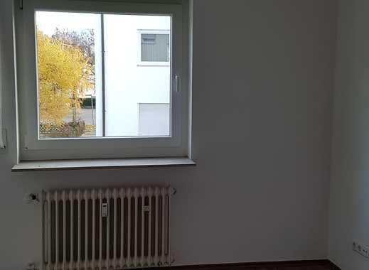 Erstbezug nach Sanierung mit Balkon: ansprechende 4-Zimmer-Wohnung in Metzingen