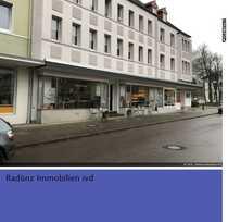 Bild Ladenfläche mit großen Schaufenstern in Reinfeld / Stadtlage
