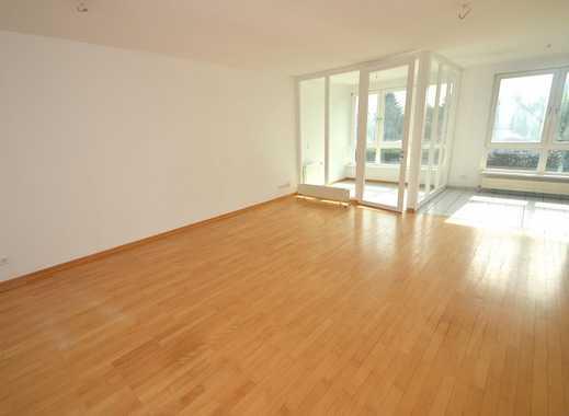 Neues Nest gesucht? Schöne und helle 3 Zimmerwohnung mit Einbauküche und Wintergarten ab sofort fr