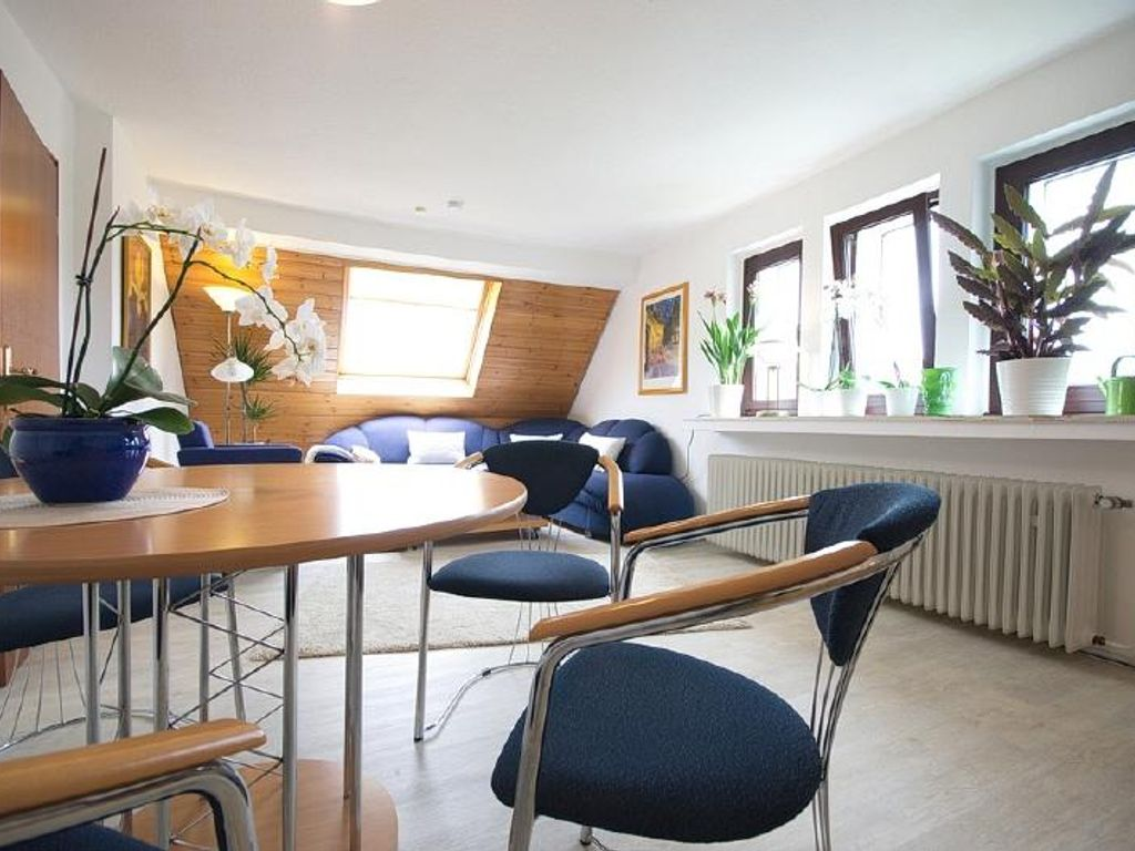 Gepflegte, modern gestaltete Wohnung in ruhiger Lage, als ...
