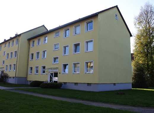 Praktisch geschnittene Dreizimmerwohnung mit 66 m² Wohnfläche und Tageslichtbad in ruhiger Wohnlage
