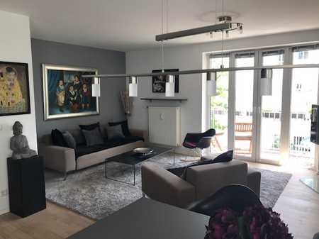 Stylische vollmöblierte renovierte 2-Zimmer-Wohnung im Herzen Schwabings mit Balkon in Schwabing-West (München)