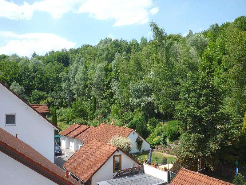 Ch. Schülke-Immobilien, Großzügige 4-Zi-DG-Wohnung mit Balkon in ruhiger Lage, in Haag a.d. Amper in