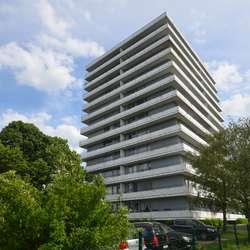 Kapitialanlage. Geräumige Familienwohnung mit 4-Zimmer,Balkon und Garage.