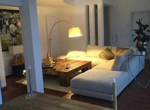 Schöne 2,5-Zimmer-Maisonette-Wohnung mit Balkon und Einbauküche in Schwetzingen