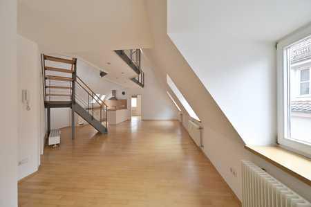 Ingolstadt Zentrum: Gepflegte 3,5-Zimmer-Maisonette-Wohnung mit Balkon und EBK in Mitte (Ingolstadt)
