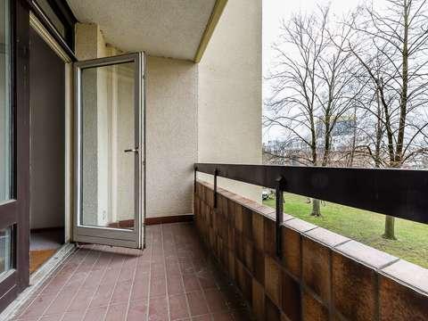 Bezugsfreie 2-Zimmer-Wohnung mit Balkon zum selbst gestalten
