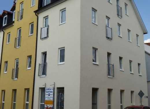 Neu renovierte 3-Raum-Wohnung mit Einbauküche,