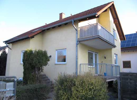 Saulheim - Tolle, frisch renovierte 4 Zi.- Wohnung auf zwei Ebenen zzgl. 2 PKW-Stellplätze