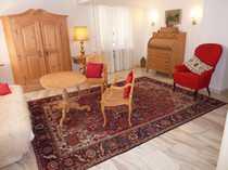 Stilvolle sanierte 5-Zimmer-Hochparterre-Wohnung mit EBK